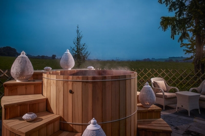 Fishmore Outdoor Cedar wellness Hot Tub