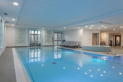 DoubleTree by Hilton Cambridge Belfry Pool