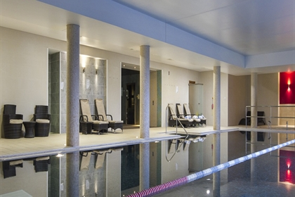 Bicester Hotel Golf and Spa Poolside