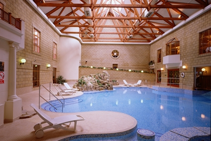 Tudor Park Marriott Hotel & Country Club Swimming Pool