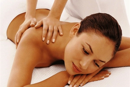 Wood Hall spa treatment back massage