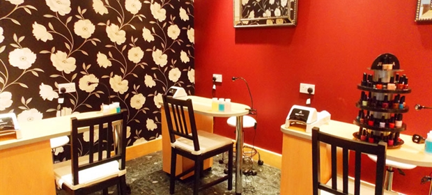 Crowne Plaza Colchester spa nail bar