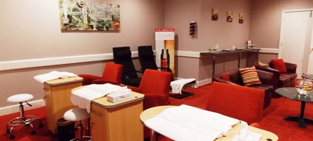 Crowne Plaza Colchester spa nail bar and lounge