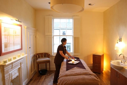 Luton Hoo spa treatment room