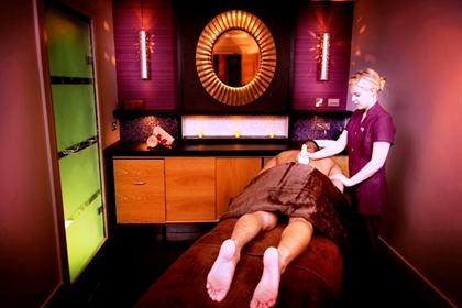 Grosvenor Pulford spa treatment room thai back treatment