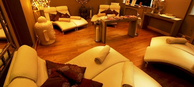 Old Thorns spa relaxation room 1