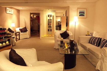 Hellidon Lakes spa lounge