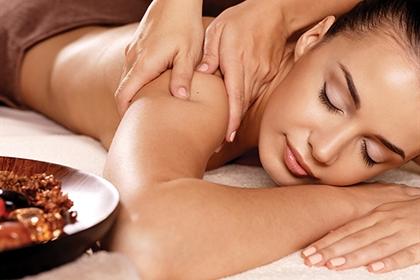 Cottons spa treatment back massage