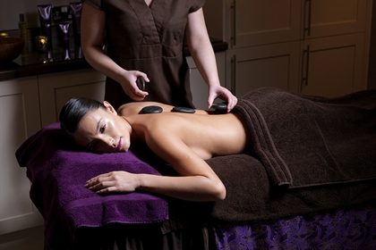 Crowne Plaza Nottingham spa treatment hot stone massage