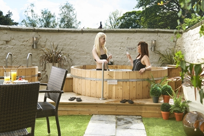 The Bridge Hotel and Courtyard Spa Outdoor Hot Tub