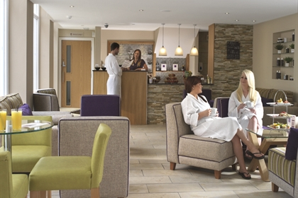 The Bridge spa reception and lounge