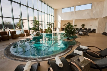 The Malvern Spa Pool and Loungers