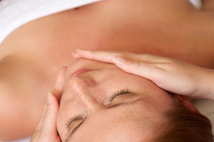 Wyck Hill spa treatment back massage