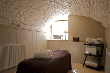 Wyck Hill spa treatment room
