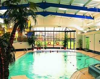 Macdonald craxton wood hotel luxury cheshire spa for Keswick spa swimming pool prices