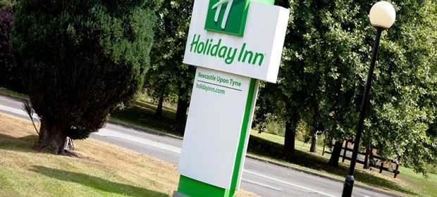 Holiday Inn Newcastle Sign