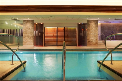 The Landmark London Spa pool horizontal
