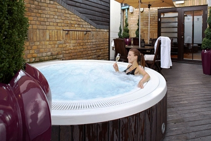 Sir Christopher Wren Jacuzzi