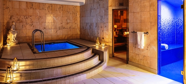 Radisson Heathrow Spa plunge pool (1)