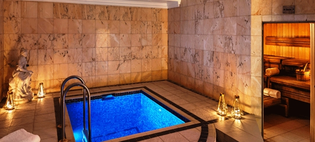Radisson Heathrow Spa plunge pool (2)