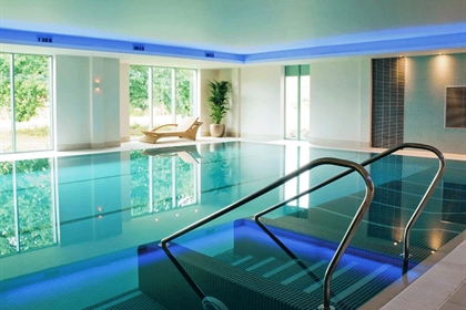 De Vere Cotswold Water Park Swimming Pool