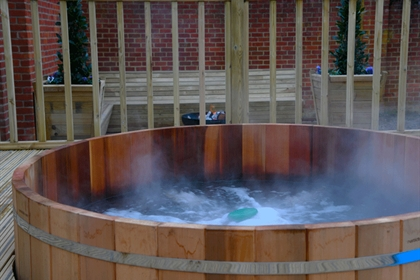Warbrook House Hotel Outdoor Hot Tub
