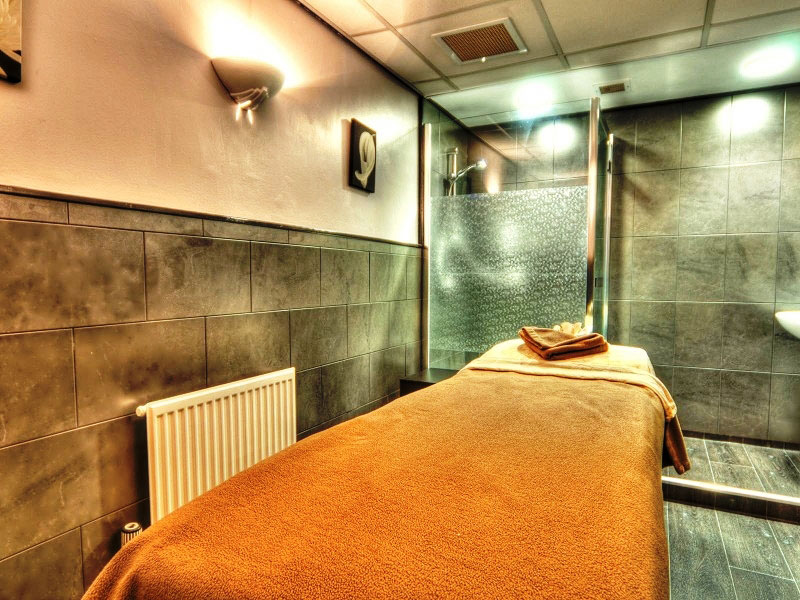 Champneys henlow spa treatment room 1