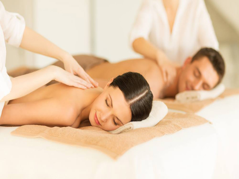 Combe Grove Generic Spa Treatment Dual Massage