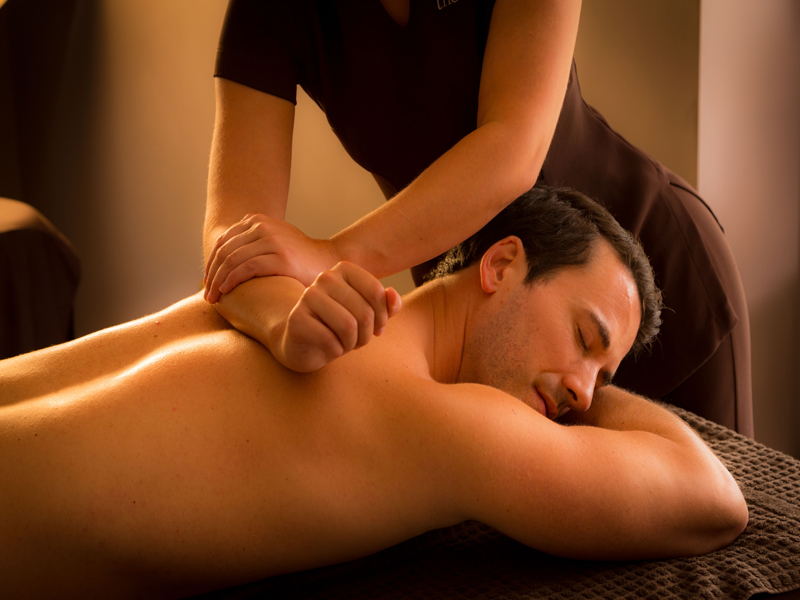 Bedford Lodge spa treatment male back massage