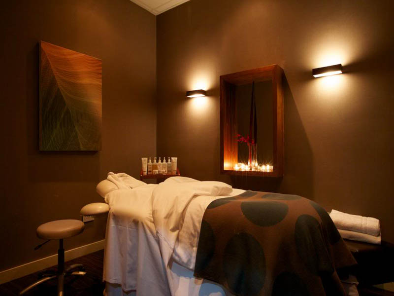 Carnoustie spa treatment room