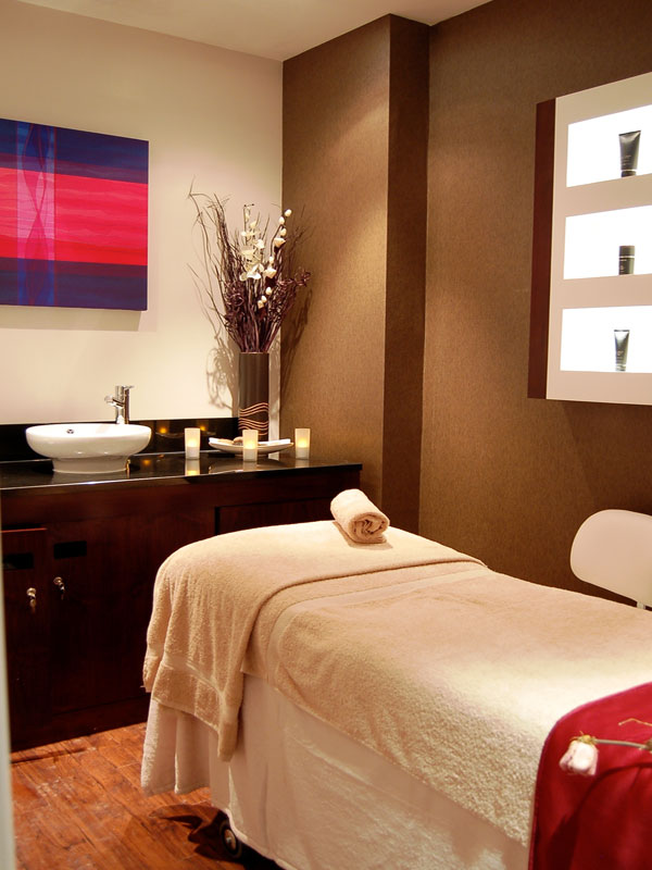 Bannatyne spa treatment room