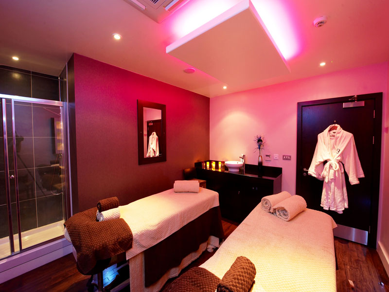 Bannatyne spa dual treatment room 1