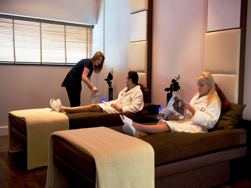 Bannatyne spa male and female relaxation beds